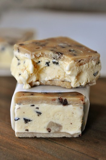 chocolate chip cookie dough ice cream sandwiches, summer ice cream treats