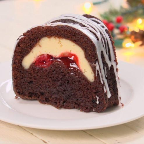 Chocolate Cherry Cheesecake Stuffed Bundt Cake | Cheesecake Stuffed Desserts