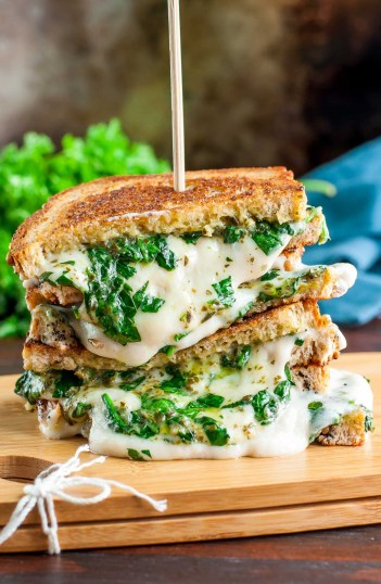 Extra Cheesy Vegan Grilled Cheese Spinach Pesto Sandwich | Gourmet Grilled Cheese Recipes