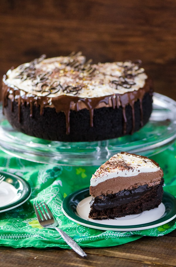 Irish Cream Coffee Mud Pie | Bailey's Irish Cream is an Irish dairy cream drink with chocolate and Irish whiskey, it's become a staple on St. Patrick's Day. It's easy to use Irish cream in dessert recipes because of its chocolate cream flavors. Bailey's Irish cream desserts are simple and delicious! #xokatierosario #baileysirishcream #irishcream #stpatricksdaydesserts