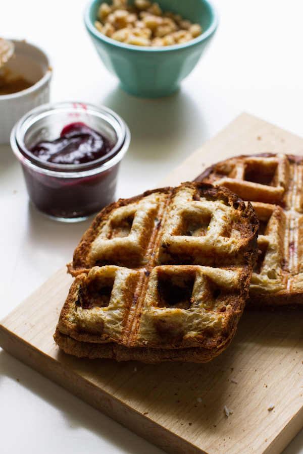 PB & J Waffles Grilled Sandwich | Learn how these creative peanut butter and jelly recipes go beyond the classic sandwich. Choose from Peanut Butter and Jelly Cheesecake or Donuts to PB & J Muffins or Hand Pies. These peanut butter and jelly recipes make lovely desserts, snacks or anytime treats that you and your family will totally love! #xokatierosario #peanutbutterandjelly #pbjdesserts #easypb&jdesserts