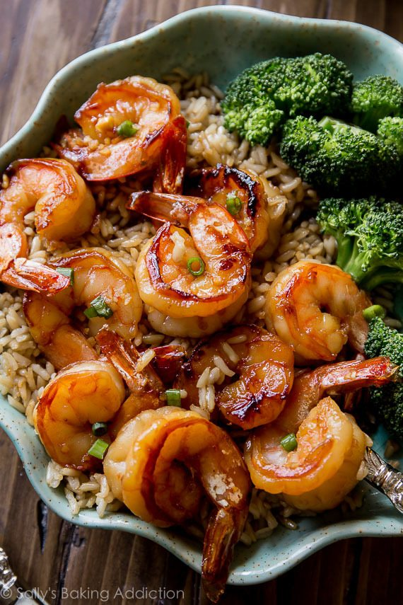 Quick 20 Minute Honey Garlic Shrimp | Today we are looking at 16 clean eating dinners that'll take 30 minutes to make. It's nice to have some quick and easy clean eating recipes like these that you can refer back to. These healthy meals take 30 minutes so you can enjoy the rest of your night full and satisfied. #xokatierosario #cleaneatingdinnerrecipes #healthymeals #30minuterecipes