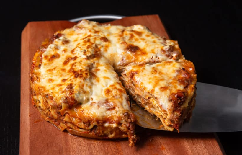 Instant Pot Lasagna | Learn how to make easy pasta recipes you know and love in a one-pot wonder machine like the instant pot. These instant pot pasta recipes may seem too good to be true. With a little cleanup, you can have delicious soul-satisfying instant pot comfort food meals you can't wait to make. #xokatierosario #instantpotrecipes #instantpotpastarecipes #quickpastarecipes