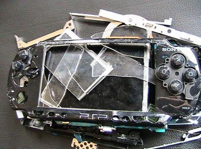 Broken Reviews: PSP