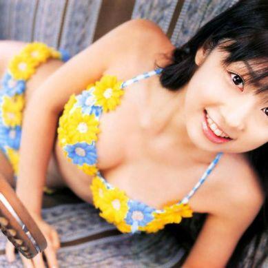 Yuko Ogura wins Gravure Idol Award