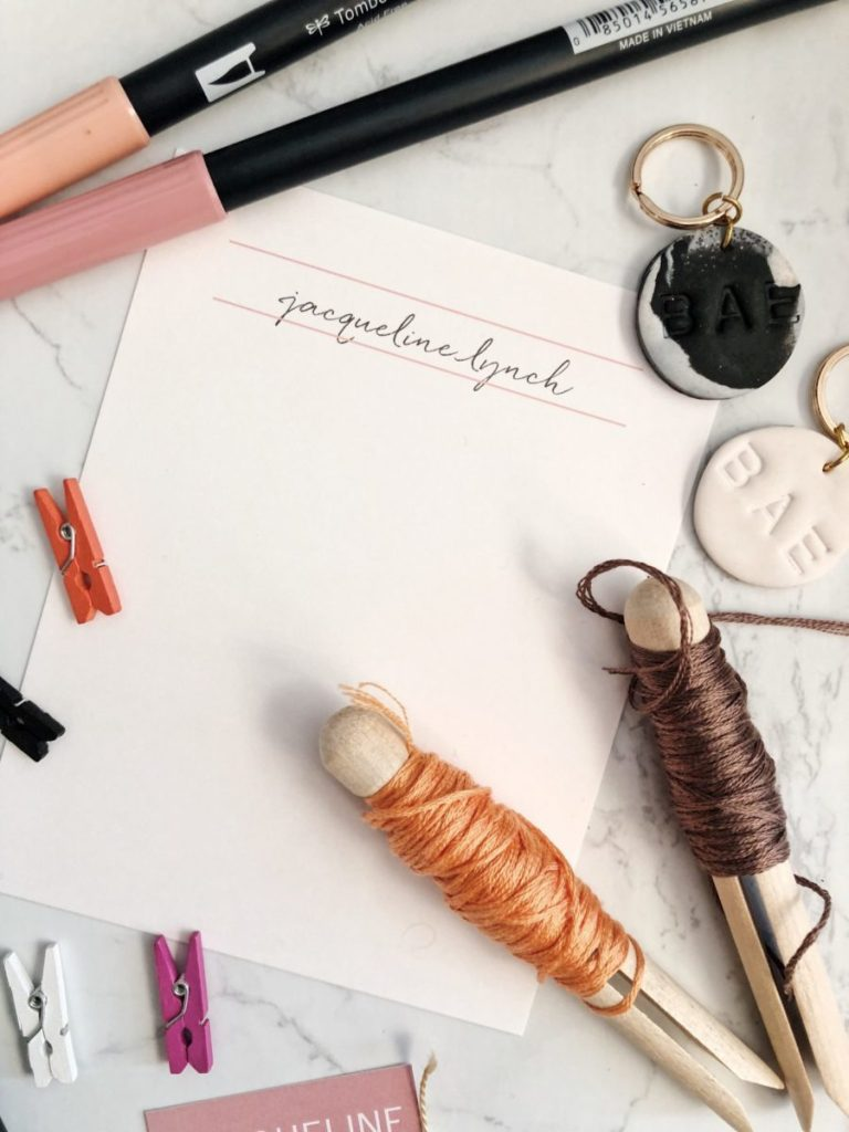 Why Bloggers Need Business Cards and How to Easily Create Them diy