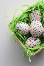DIY-Sprinkle-Easter-Eggs-8-683x1024