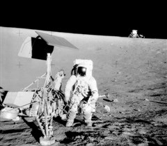 Surveyor_3-Apollo_12.jpg