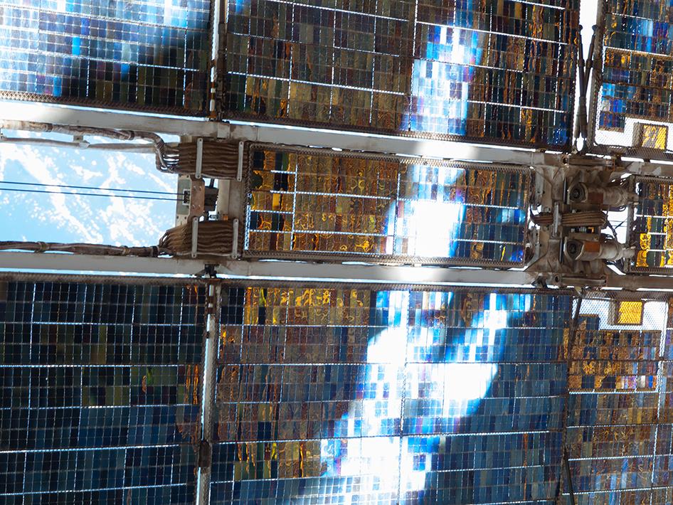 20130411XD-NASA-svezta_iss035e013901-946