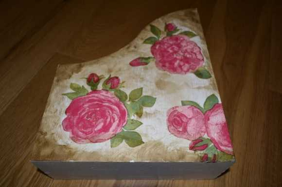 Segregator w róże
