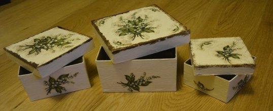 Pudełka z przykrywkami