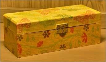 Pudełko z motywami kwietnymi 21 cm x 9 cm x 8 cm