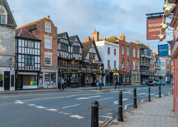Rosado Lounge and The Berkeley Arms on High Street, Tewkesbury town centre