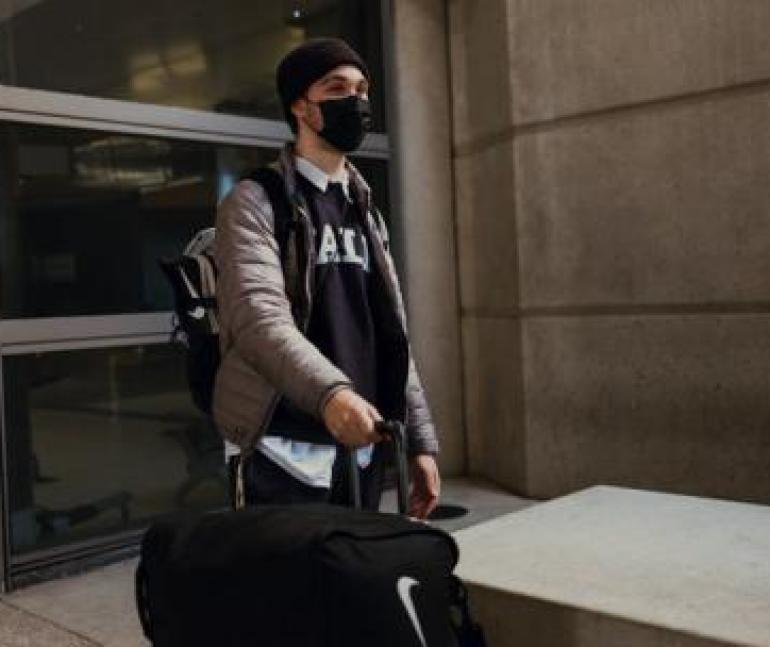 @澳大利亚驻华使领馆 发微博了,然后被网友怼翻了