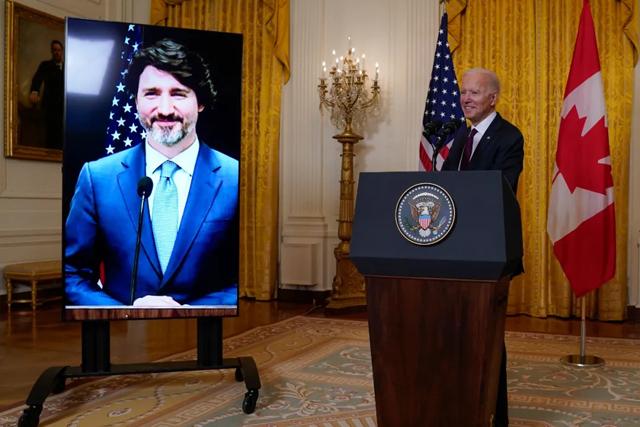 怕什么来什么?美国战机被撞,特朗普被告上法庭,拜登下令降半旗