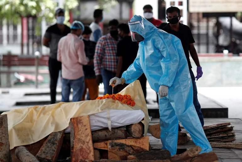 拜登封锁印度人入境,却留下巨大的漏洞!印度病毒变种或在美传播