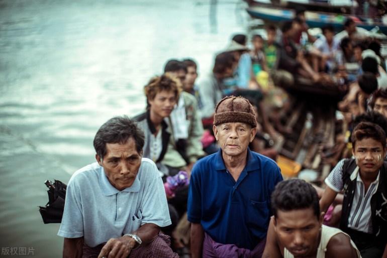 """俄罗斯最新的""""粽子机""""!是俄版的FC-31,还是仿制波音的X-32"""