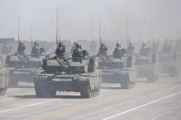 """美军胜利号监听船在南海赖着不走,会不会受到中国渔民""""欢迎""""?"""