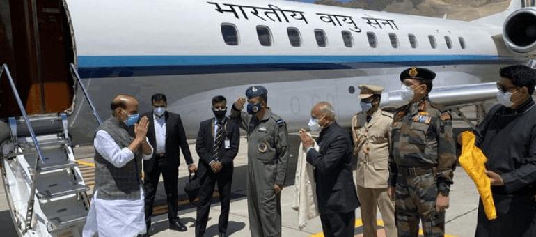 """台军演练阻止解放军""""直攻总统府"""",网友讽刺:好好演练逃亡路线,早晚用的上"""