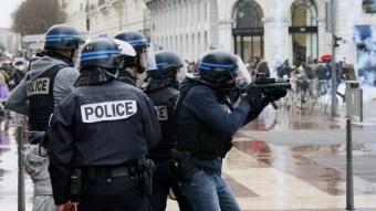 Γαλλία-απαγορευση-κυκλοφορίας-990x557