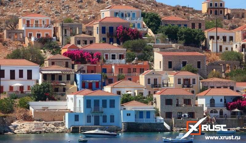 Греция ограничила еженедельный российский туристический трафик