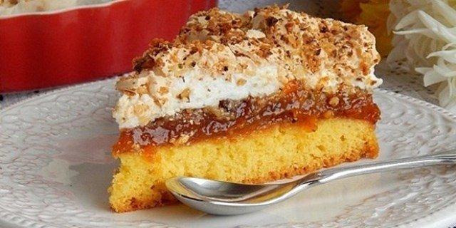 Κέικ με μαρμελάδα και Σαντιγί