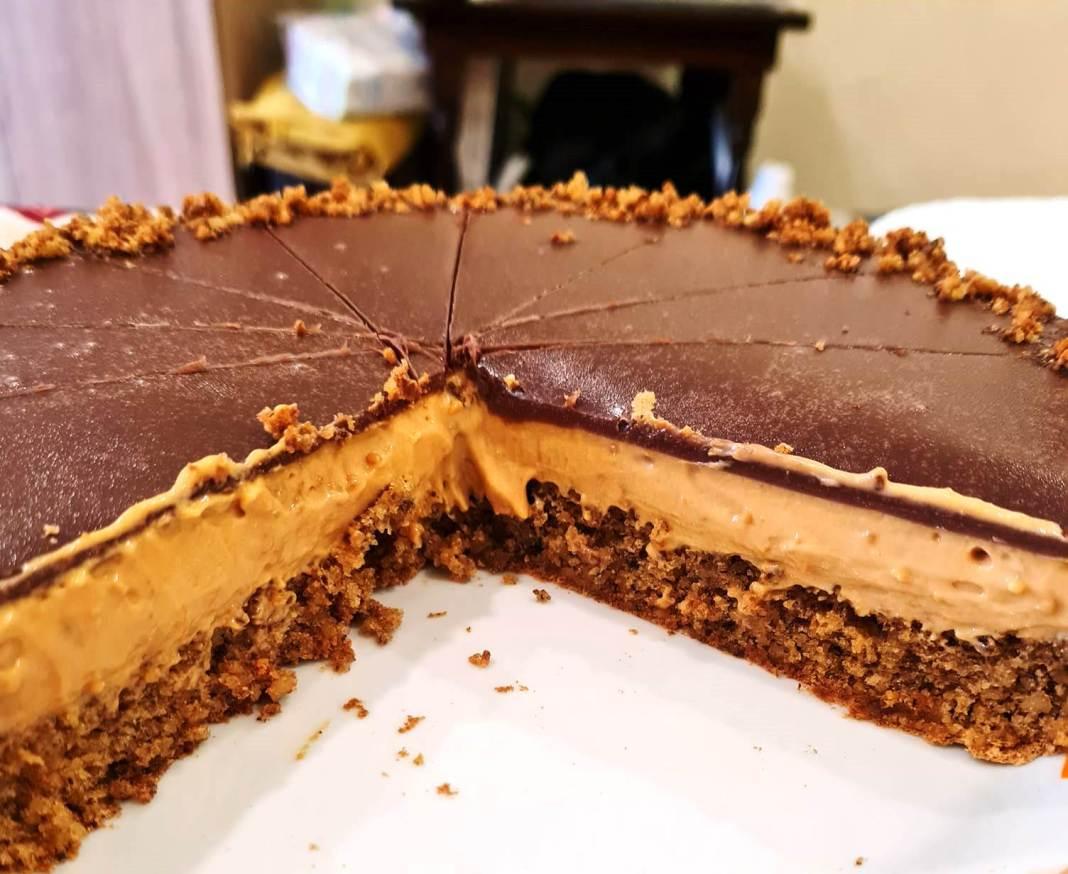 Κέικ με καραμελωμένο ζαχαρούχο