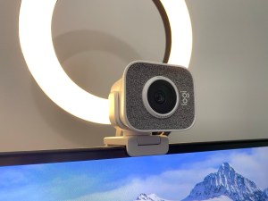Webcam tips: External webcam with ring light