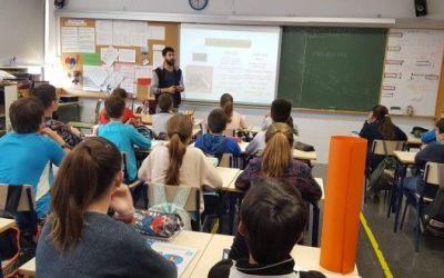 Els col·legis de Xàtiva organitzen xarrades per tal de previndre el dolor d'esquena