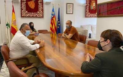 El president de la UD Canals es reuneix amb l'alcaldessa