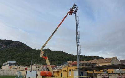 L'Ajuntament de Moixent inicia els treballs de substitució de la il·luminació del camp de futbol