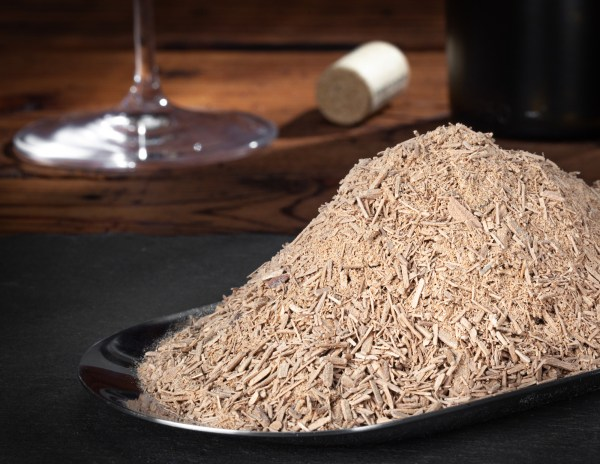 Winemaking light American oak granular