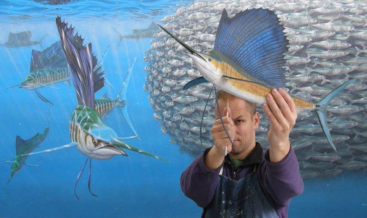 Onderwaterkunstenaar Jeroen Verhoeff toont voor het eerst zijn werk op de Utrechtse Hengelsport- en Botenbeurs.