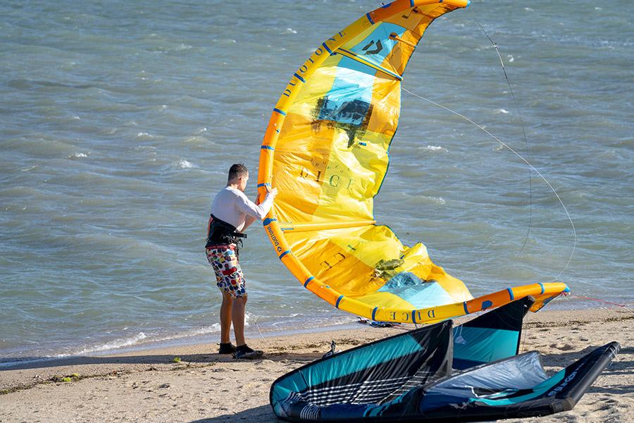 kitesurfing kites