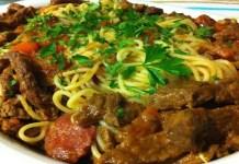 Alcatra Guisada com espaguete