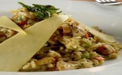 Receita de Arroz Ninna com legumes e queijo