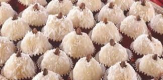 Receita de Beijinho de coco docinho de festa