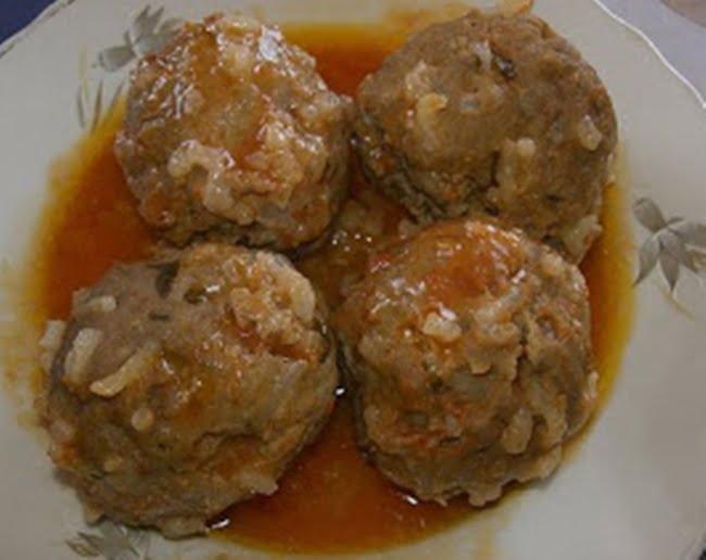 Receita de Bolinhos de Carne Grega Youvarlakia