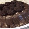 Bolo de chocolate com muita calda
