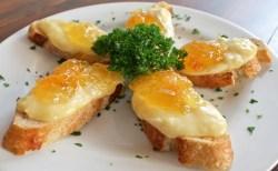 Receita de Bruschettas de queijo Brie