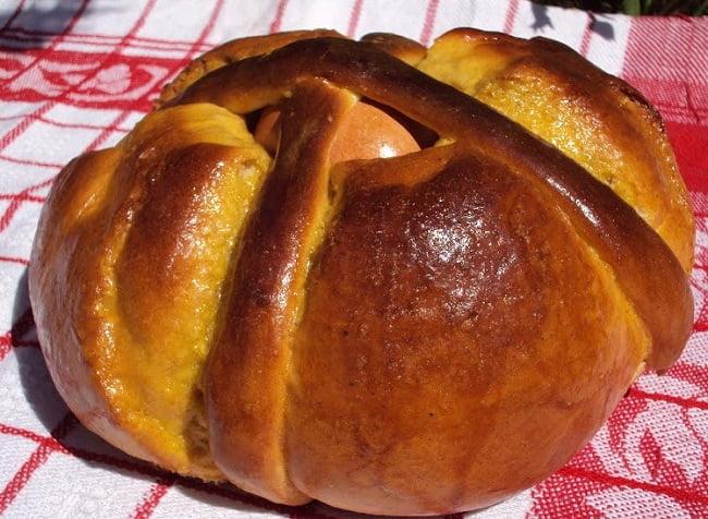 Pão de Pascoa de Erva-Doce e Canela