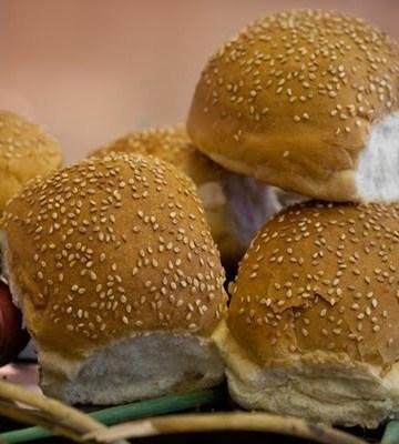 Receita de Pão de hambúrguer com gergelim