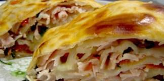 Rocambole de presunto e queijo com massa de pastel