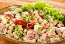 Receita de Salada de Grão de Bico e Abobrinha