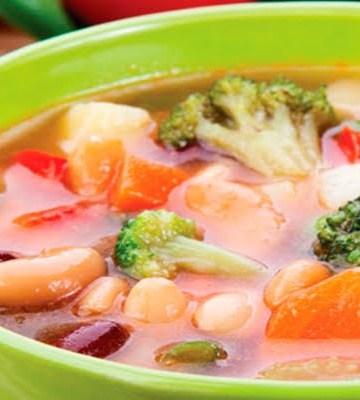 Receita de Sopa Detox de Legumes