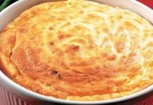 Suflê de batata com três queijos