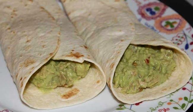 Tacos Com Abacate e Atum