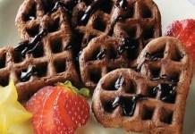 Receita de Waffle de chocolate com frutas