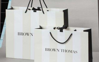 Hiệu quả khi in túi giấy cho shop thời trang đựng quần áo