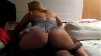 Videos do xvideos coroa cavala do bucetão fazendo sexo gostoso com negão dotado que arromba ainda mais sua buceta